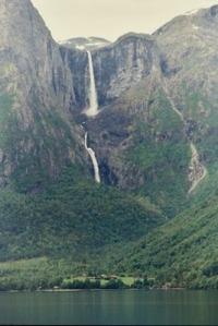 Reichenbach-Falls-Suiza-las-mejores-Cataratas-del-Mundo
