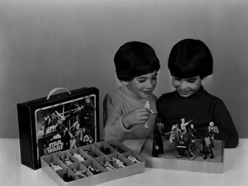 kenner-collector-kenner-toys-cincinnati-millennium-falcon